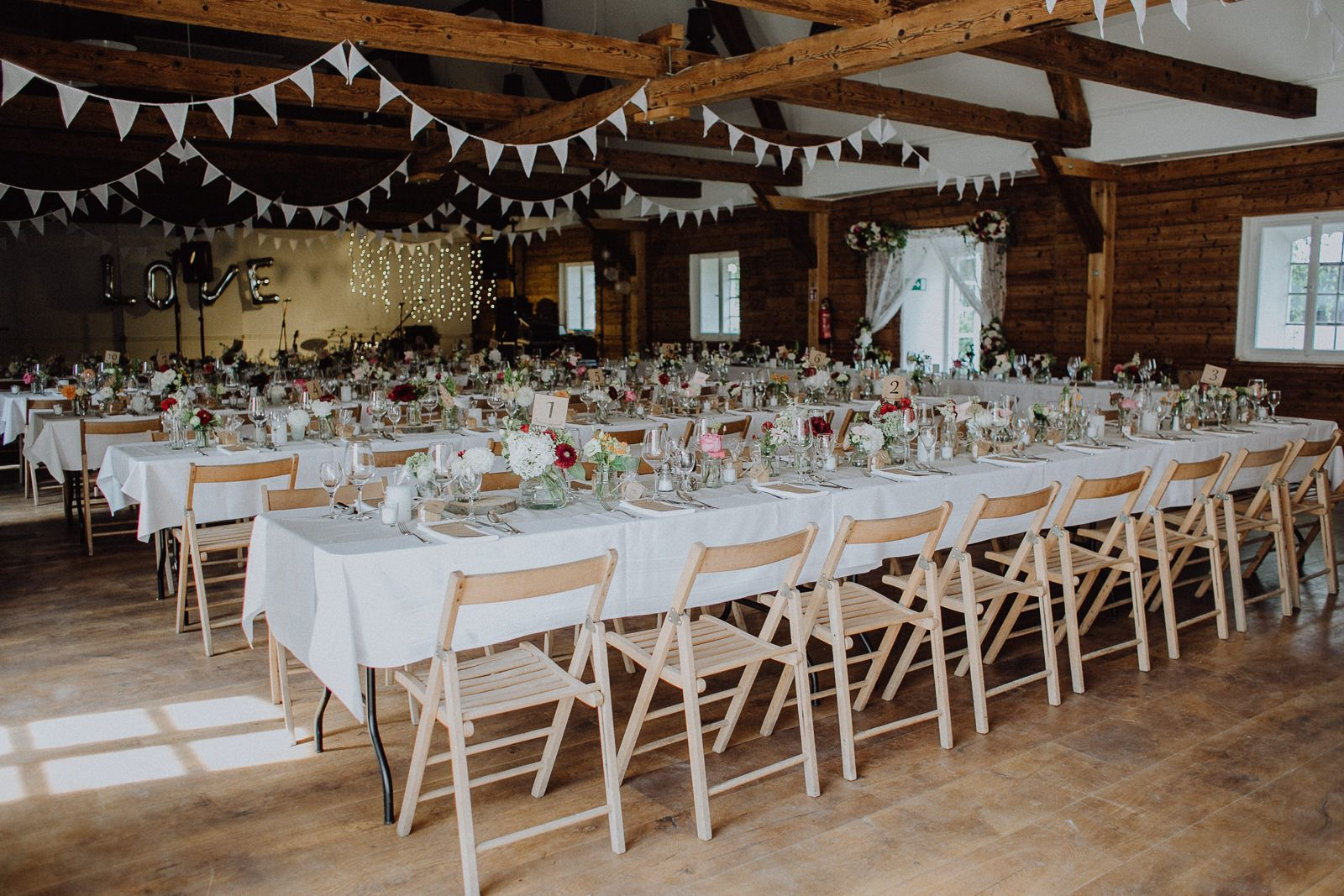 Hochzeit auf gut sedlbrunn hochzeitsfotograf bayern for Saaldekoration hochzeit