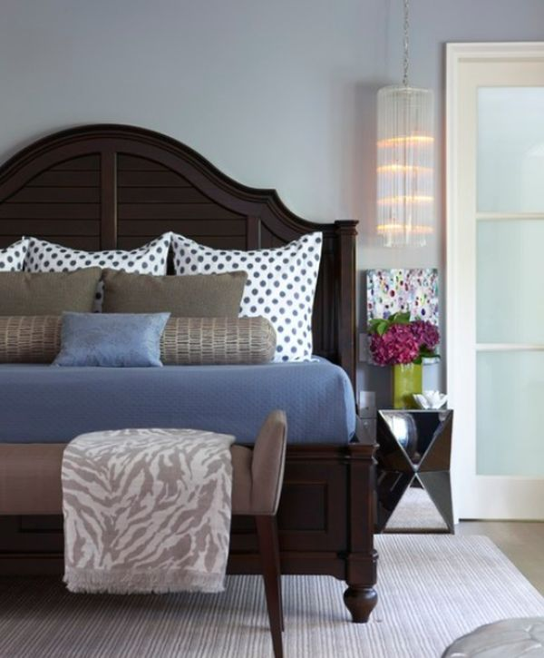 Bed Pillow Arrangements: What's Your Number?