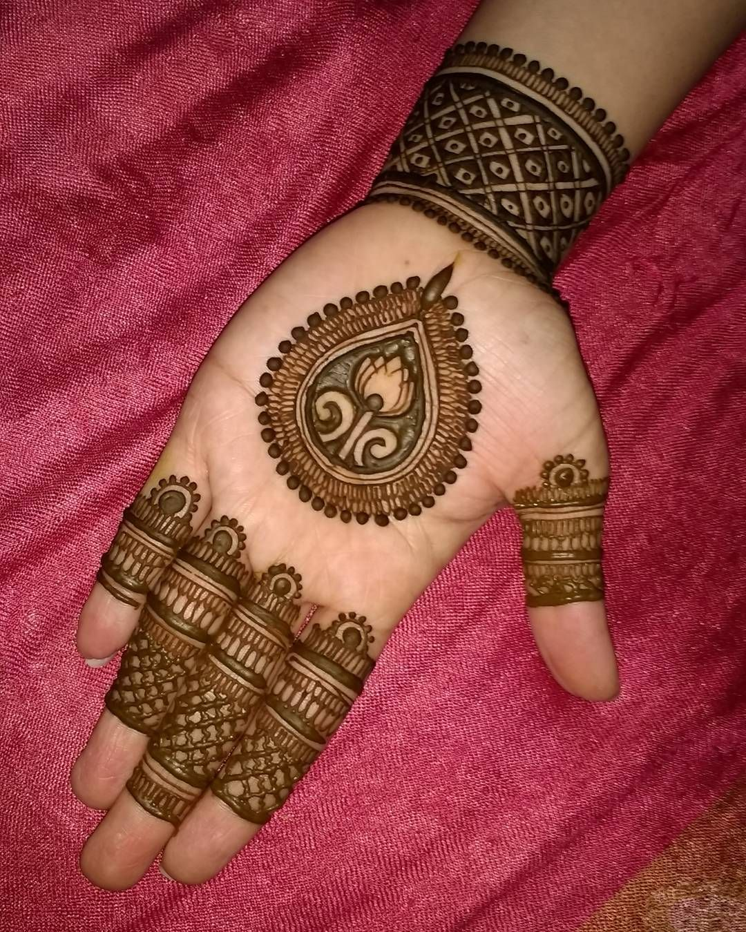 new easy mehndi designs for karwa chauth