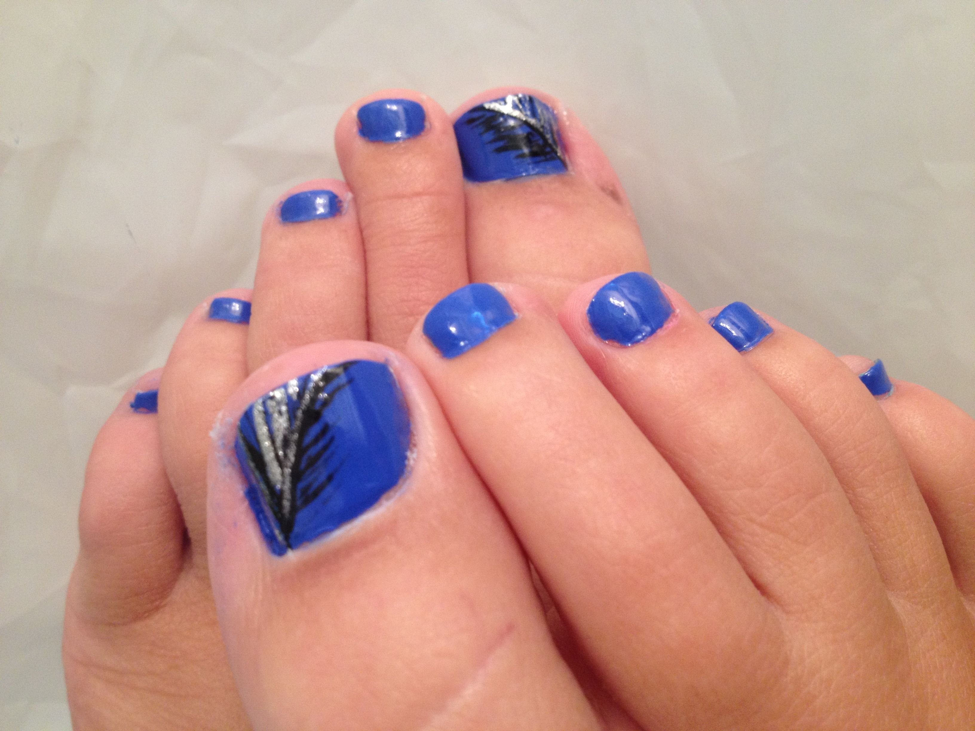 Cobalt pedicure feather design | My Style | Pinterest | Feather ...
