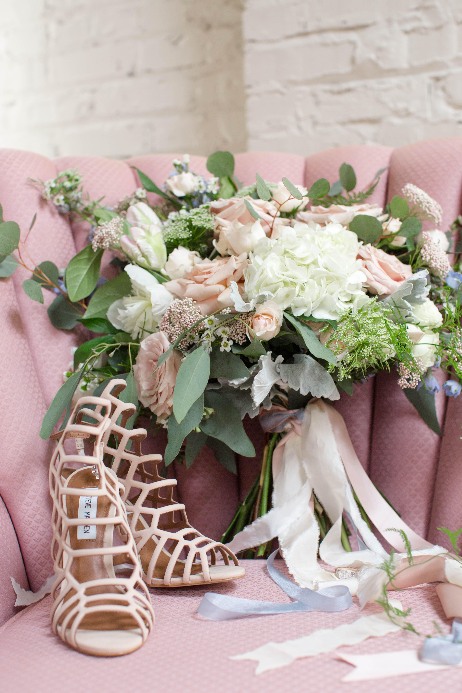 Styled Shoot An Urban Summer Wedding On The Go Bride