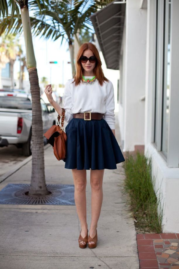 STATEMENT NECKLACE WHITE TOP A LINE NAVY BLUE SKIRT HARPERS BAZAAR ...