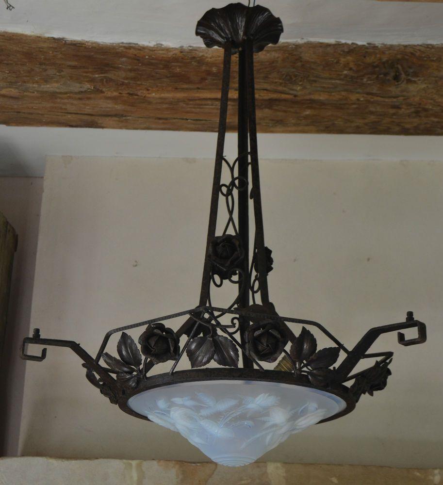 lustre art deco 1930 belle opaline sign p maynadier. Black Bedroom Furniture Sets. Home Design Ideas