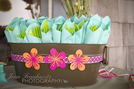 Decoraci n de cubiertos y servilletas fiesta pinterest for Decoracion de servilletas