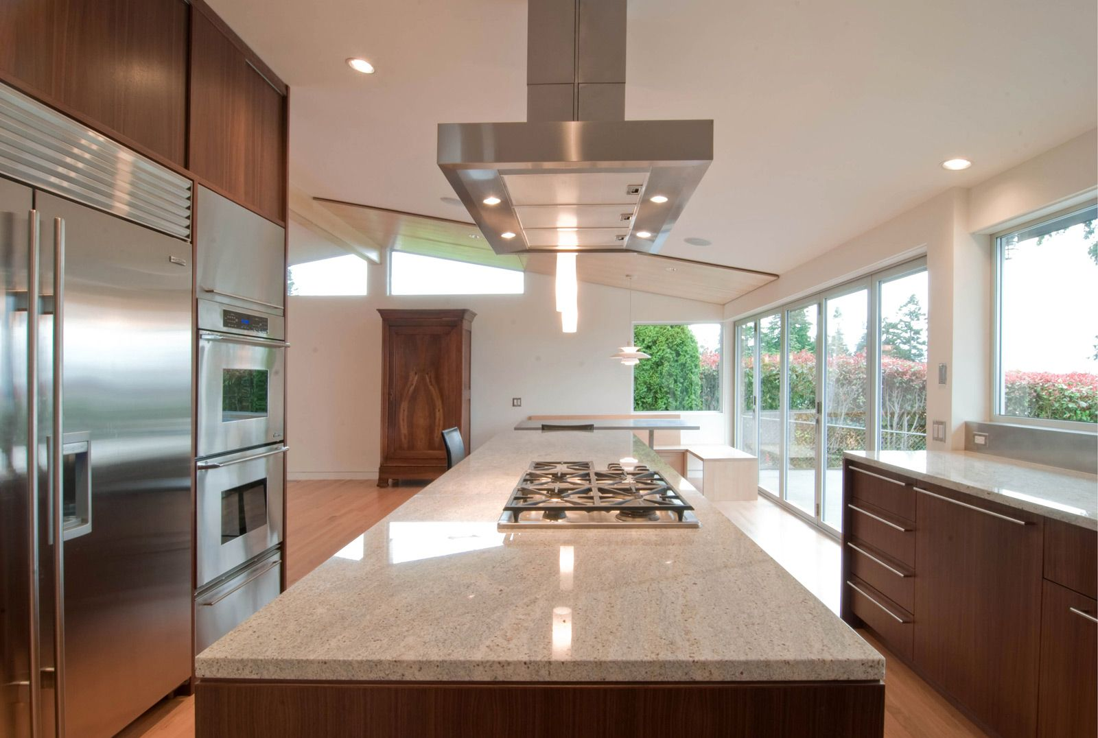 Design Strategies For Kitchen Hood Venting Build Blog Kitchen Hood Design Modern Kitchen Hood Kitchen Island With Cooktop