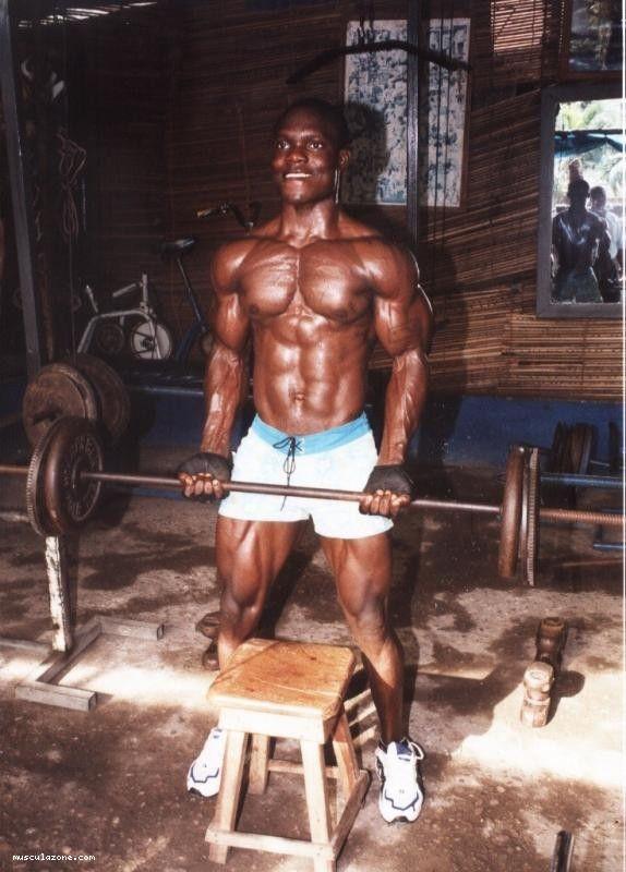Quelques exemples de bodybuildeurs (ma séléction de mes bodybuildeurs préférés) de 15° partie: musculation à domicile