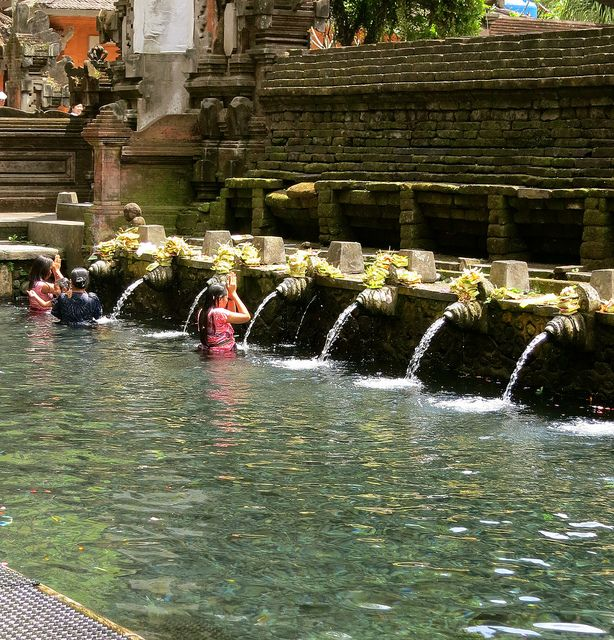 Holy Water Bathing at a Pura (Temple) in Bali during Galungan Festival by 1CheekyChimp, via Flickr