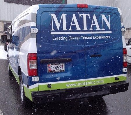 This design is great for the road. With large letters, costumers will be able to see and recognize your company name from a distance.