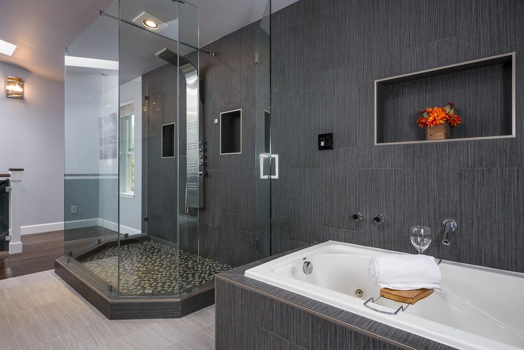 Contemporary Master Bathroom With MS International Eramosa Grey Porcelain Tile Sophie White