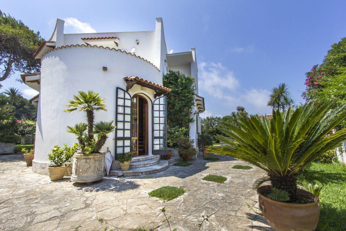 Villa di lusso sul mare salento puglia otranto luxury for Ville di lusso sul mare