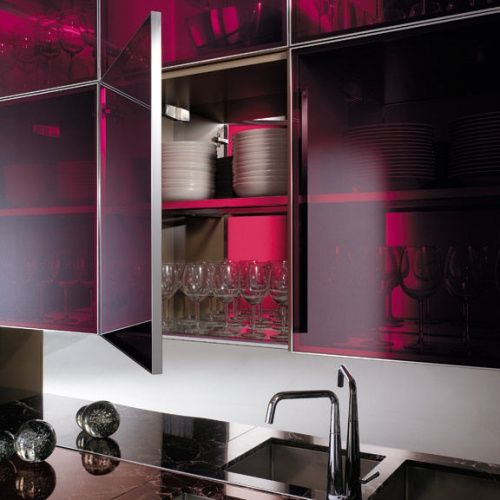 Szklane Fronty Szafek Kuchennych Szukaj W Google Beautiful Kitchens Glass Kitchen Kitchen Marble