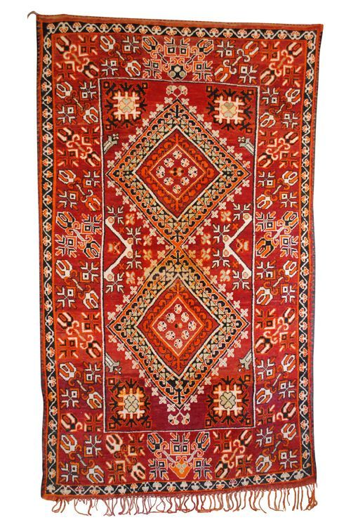 Moroccan Décor In Warm Delicious Shades Of Red And Orange Incredible Patterns This Rug Available At Maryam Montague S Online Souk