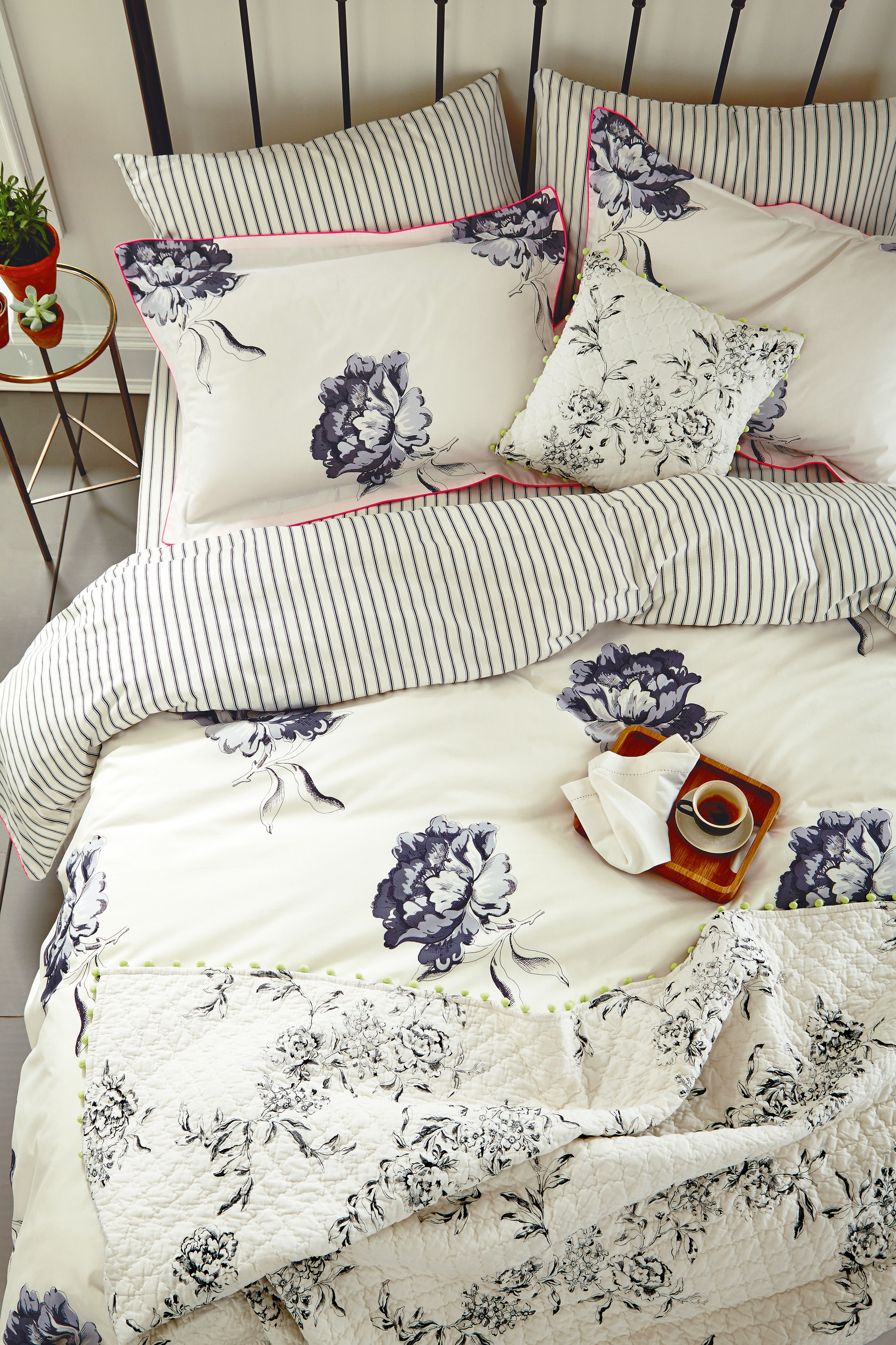 Joules Monochrome Regency Floral bedlinen with the