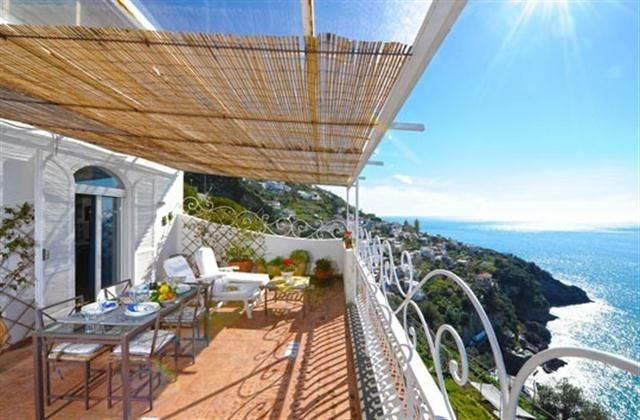 3 Bedroom Villa In Amalfi Coast To Rent From 819 Pw With Balcony