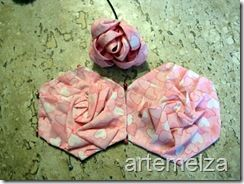 Patchwork - rosa feita com pregas