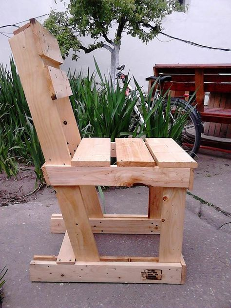 garden furniture from pallets pallet benches pallet chairs stools rh pinterest ca