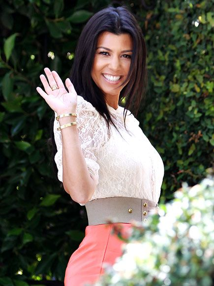 Kourtney Kardashian - love her style!
