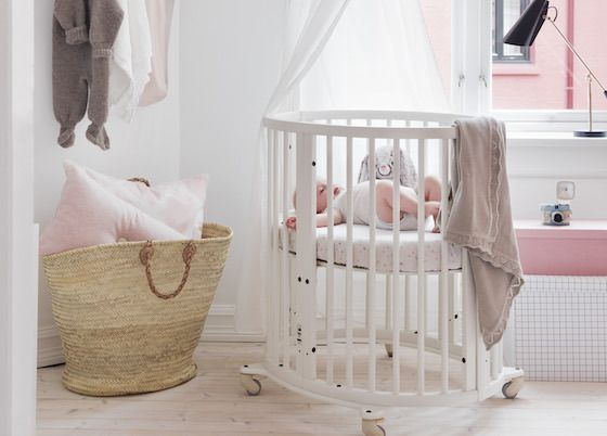 Stokke Kinderzimmer ~ Stokke sleepi mini crib in white via shop le monde