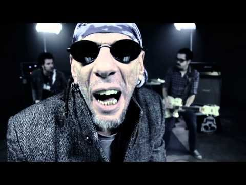 "TXARRENA - ""Azulejo Frío"" videoclip oficial (Azulejo Frío) - YouTube"