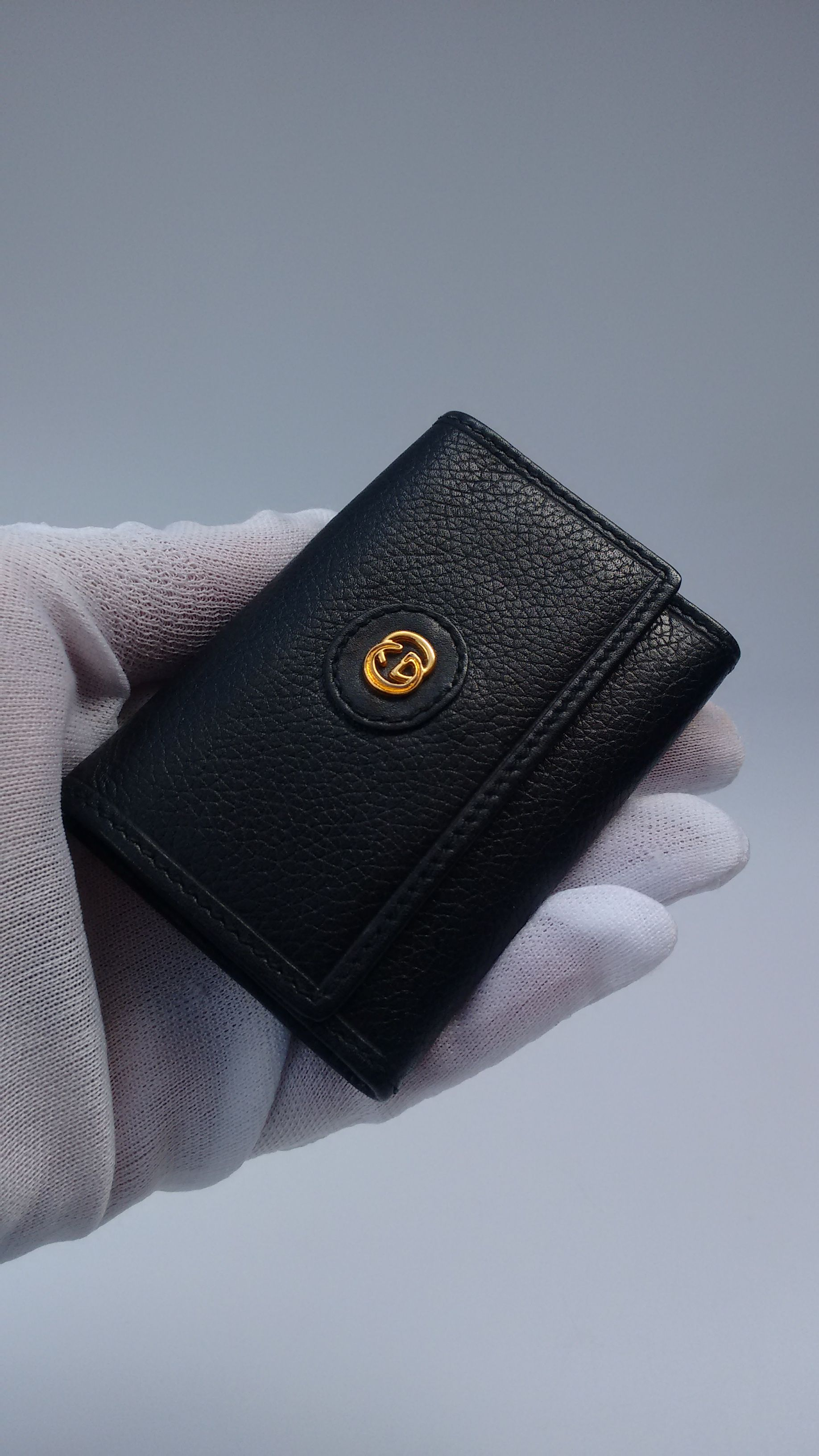 6bffd1ba53fe GUCCI Key Wallet. Gucci Vintage Black Leather Key Case / Wallet. Italian  designer purse.