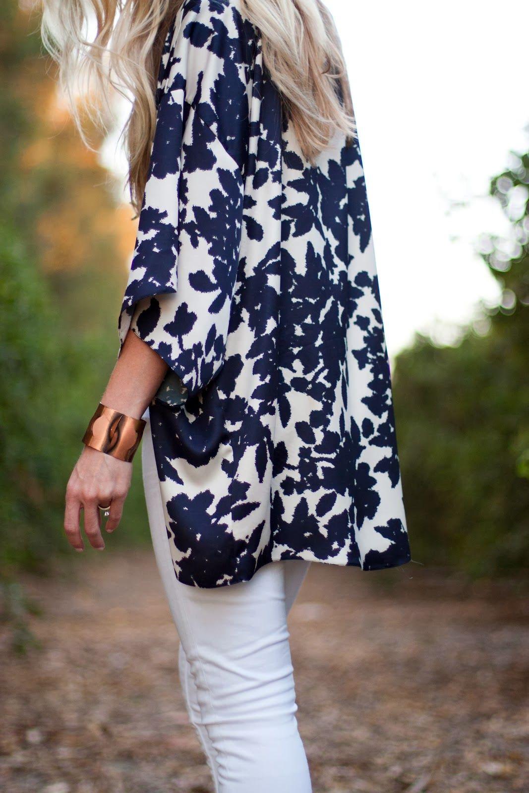 Floral kimono + white skinnies