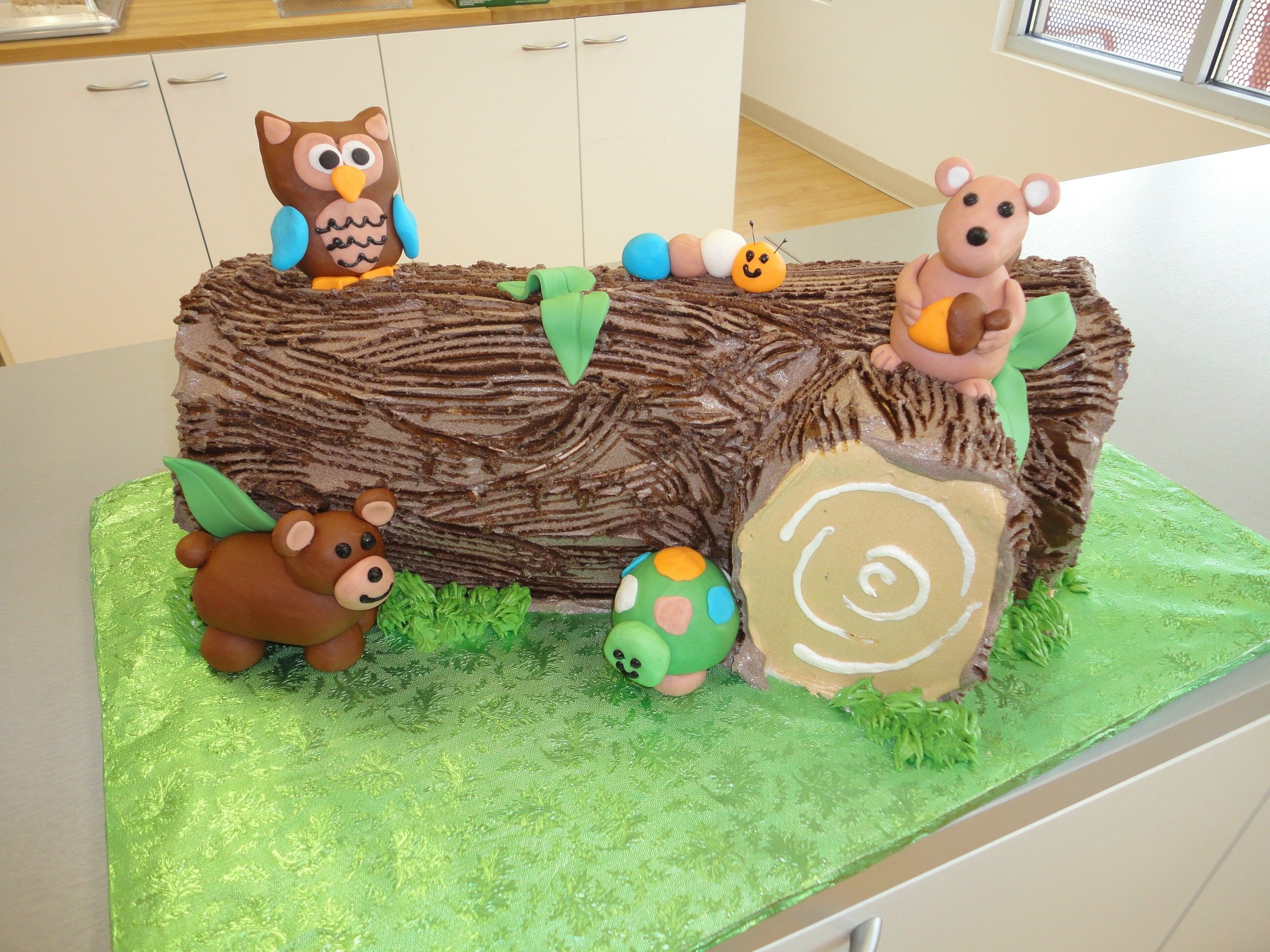 Log With Woodland Animals Baby Shower Cakes By Slice Custom