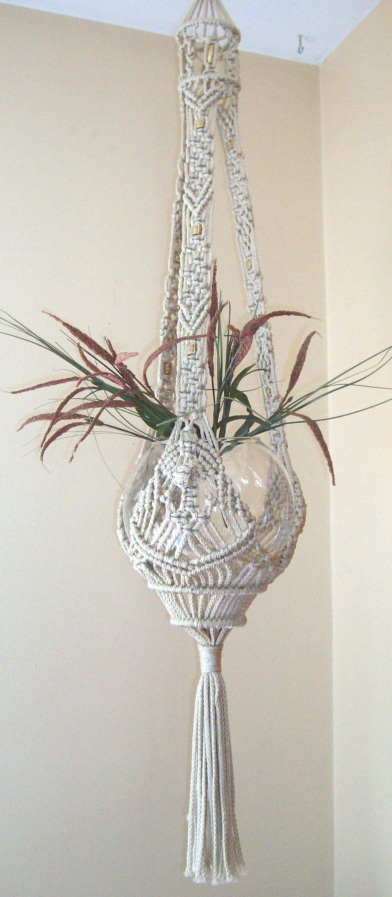 UNIQUE GIFT IDEA BEAUTIFUL VINTAGE STYLE MACRAME PLANT HANGER// BASKET