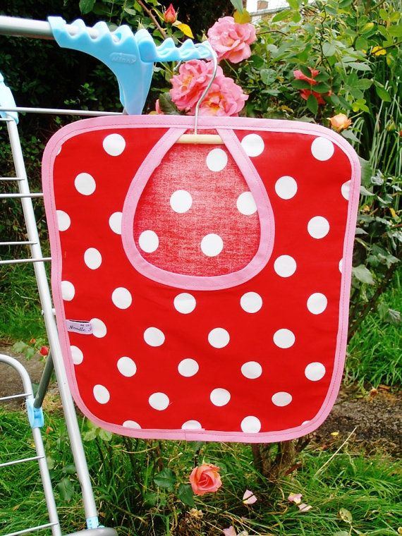 Red Polka Dot Clothes Pin Peg Bag, With Pink Trim.