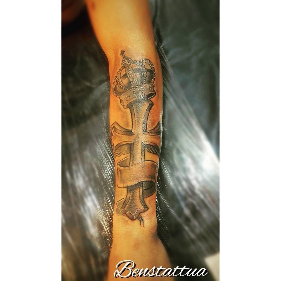 #tattoo #lovetattoo #tattoocruz #ttblackink #crucifixo #asa #asatattoo #blackand...