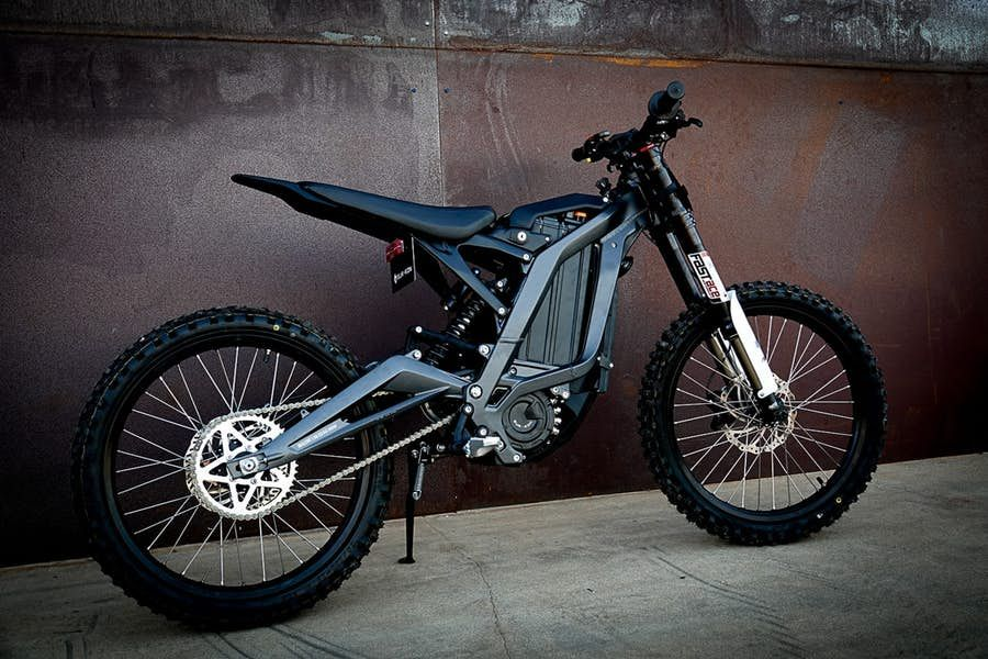 Sur Ron Light Bee Electric Trail Bike Nails The Price Point Electric Dirt Bike Electric Bike Battery Eletric Bike