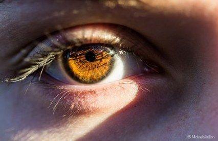 عيون عسليه Panosundaki Pin