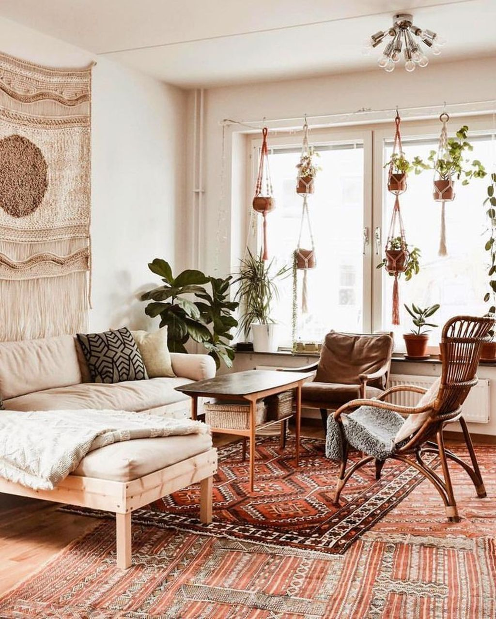 Nice 43 Elegant Bohemian Style Living Room Decoration Ideas. More at https://homystyle.c…   Bohemian style living room, Bohemian living room decor, Boho living room