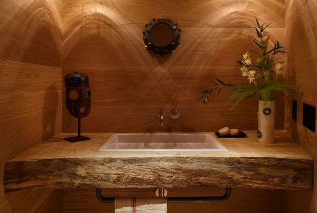 salle de bain exotique avec murs et plan lavabo en bois brut d coration int rieure pinterest. Black Bedroom Furniture Sets. Home Design Ideas
