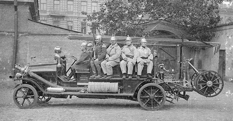 Перший пожежний автомобіль в Україні 1913 Київ