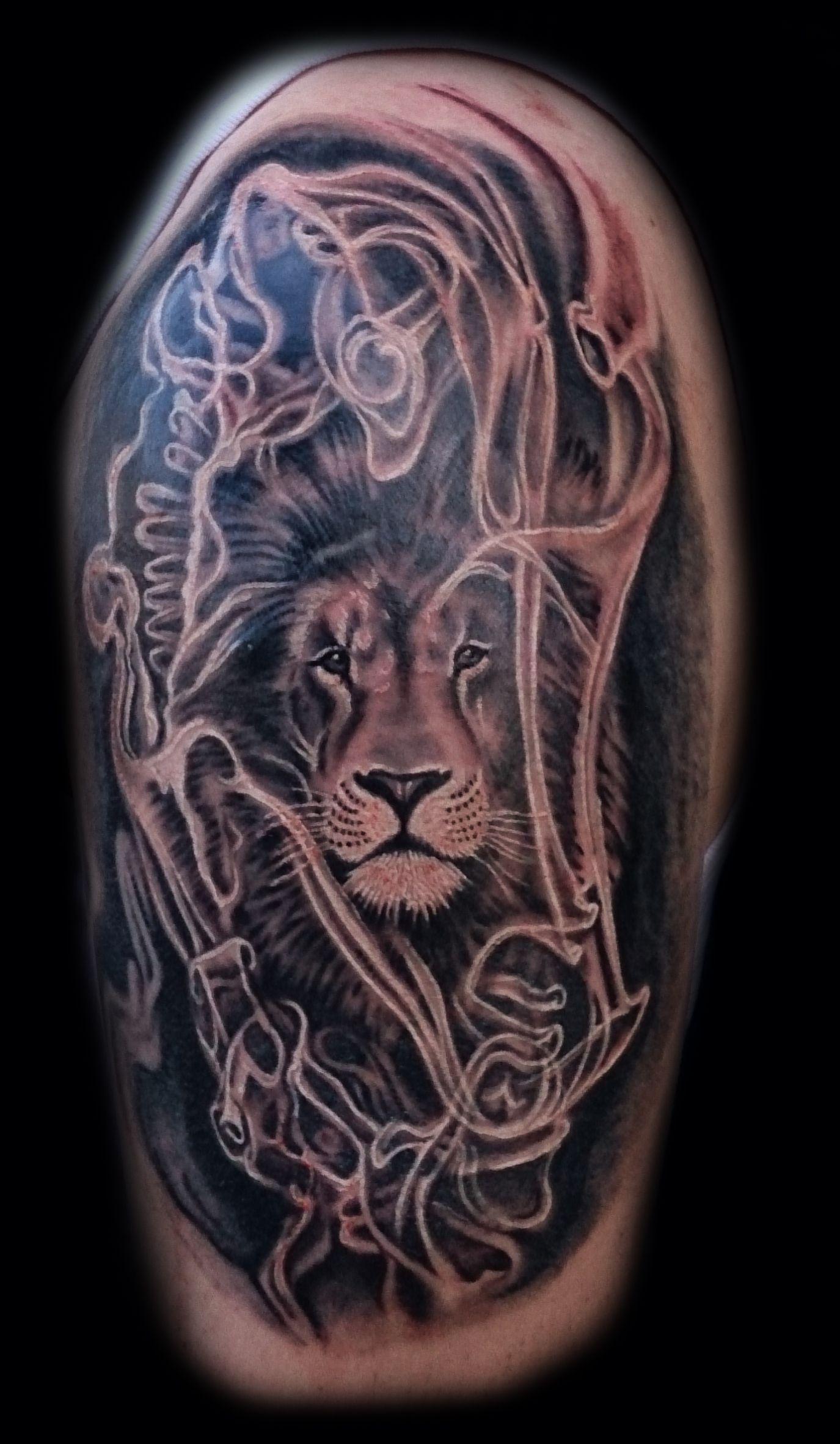 Smoke Tattoo Backgroun...