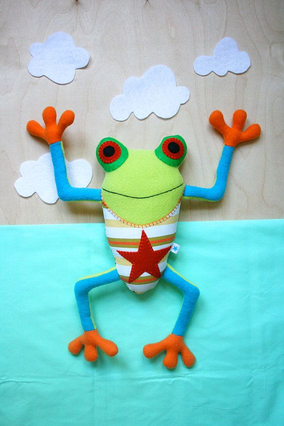 Goffit the Red Eyed Tree Frog Plush by BluestarFuzzies on Etsy, no pattern