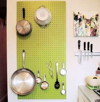 Pegboard wall organizer and magnetic knife holder - Dream Kitchen