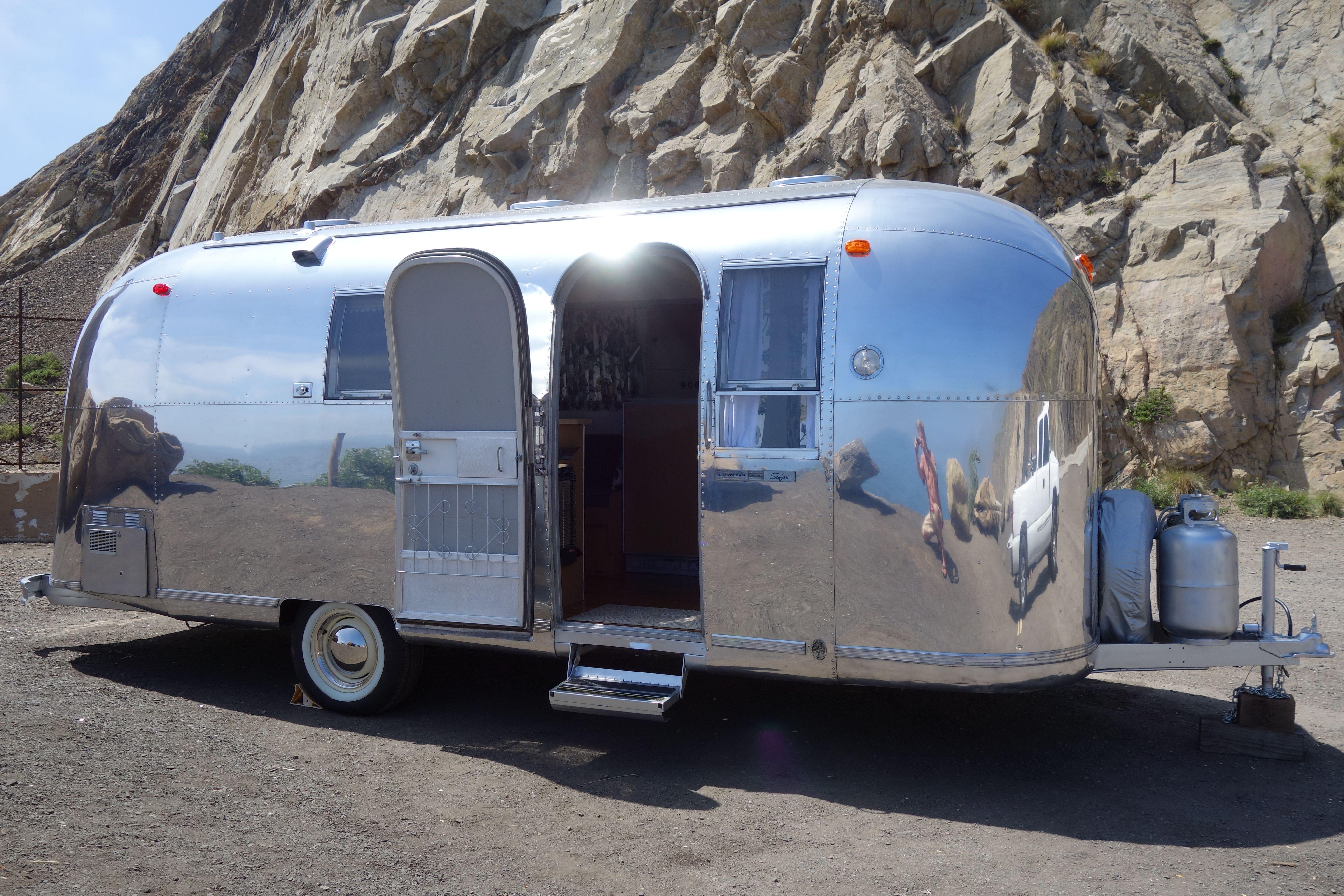 1967 Airstream Safari We Buy Vintage Airstreams Briangs11 Gmail Com Vintage Travel Trailers Camper Caravan Recreational Vehicles