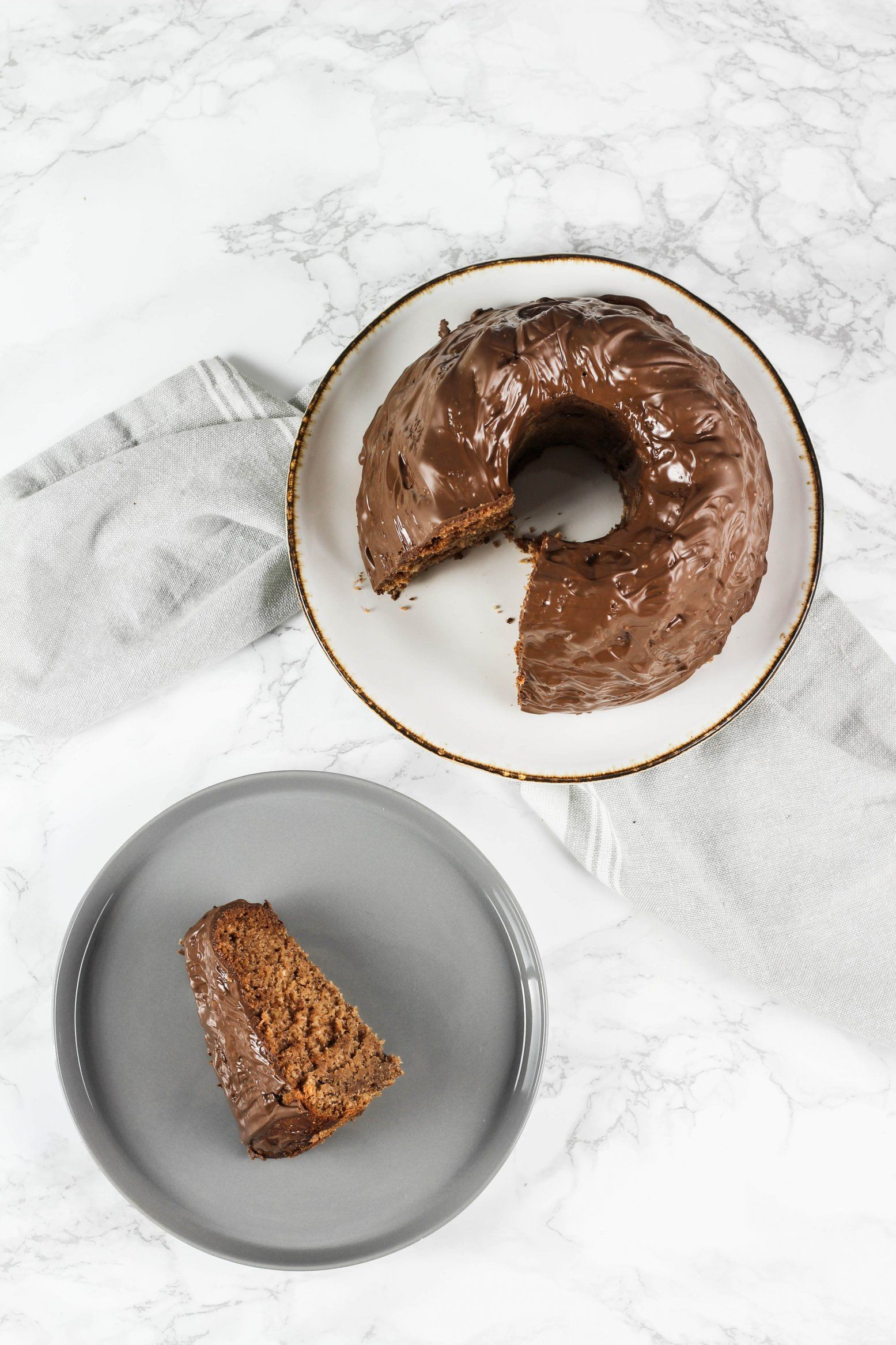 mega saftiger veganer schokoladen bananenkuchen vegan baking. Black Bedroom Furniture Sets. Home Design Ideas