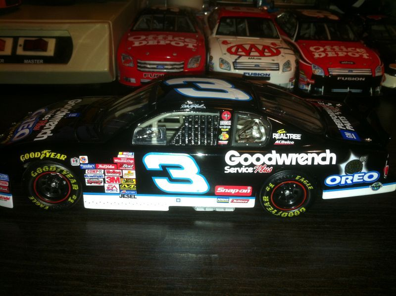 Dale Stephens Wallpaper: #3 Dale Earnhardt Sr. Oreo 2001 GM Goodwrench Service Plus