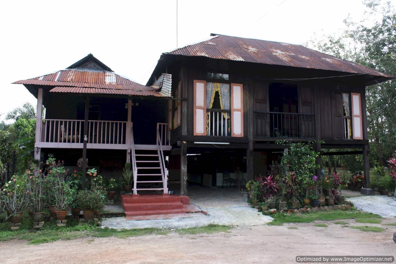 Traditional malaysian house images for Classic house kl