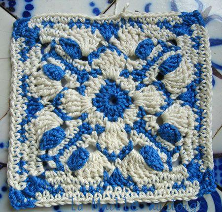 """En belle compagnie, """"Silène Stole"""" étole au crochet - La maille au doigt http://lamailleaudoigt.canalblog.com/archives/2013/05/16/27173637.html"""