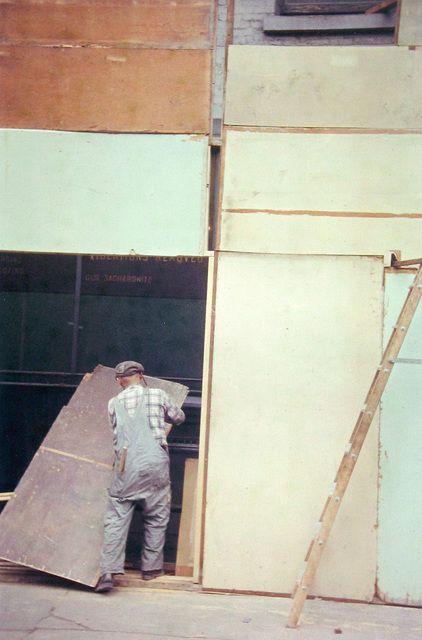 Mondrian Worker