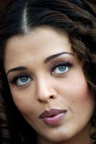 Aishwarya Rai Blue Eyes Picture Beautiful Eyes Beautiful Eyes Images Most Beautiful Eyes