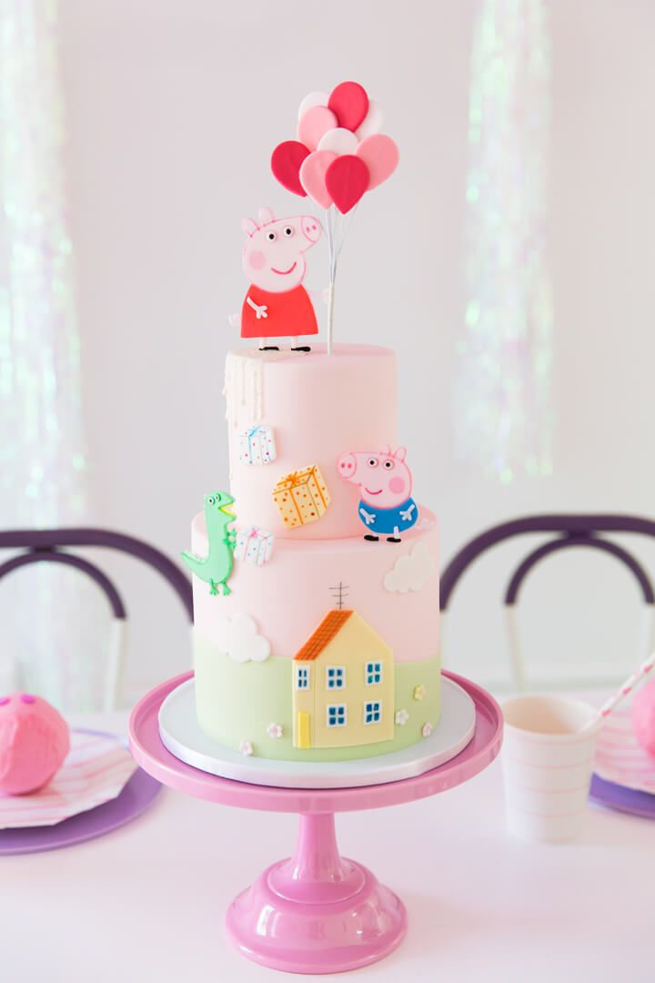 Peppa Pig Cake From Piggie Splish Splash Bash In Collaboration With Daydream So Peppa Pig Birthday Cake Pig Birthday Cakes Peppa Pig Birthday Party Decorations