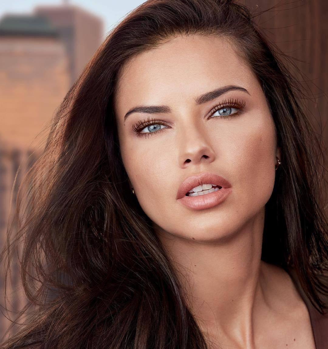 Weiblich brasilianische models Brasilianische Models