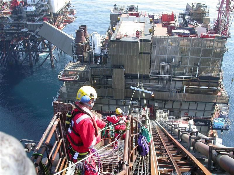 Rope Access tramway used offshore Oil rig jobs, Oil