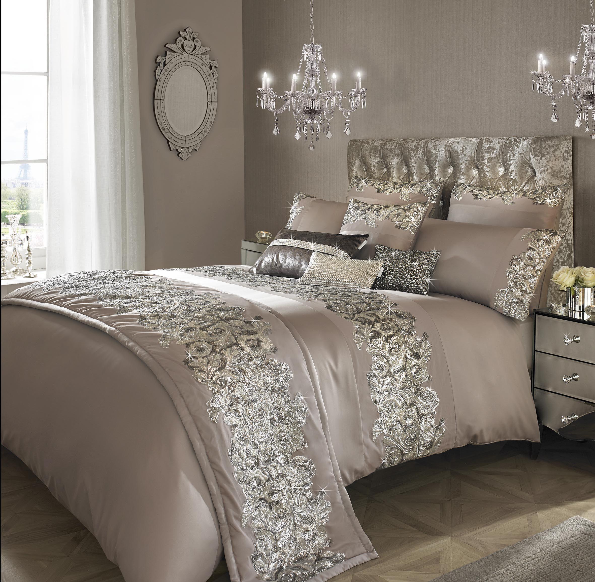 15 Glamour Silver Bedroom Designs: Bedrooms & Comforters/Sets