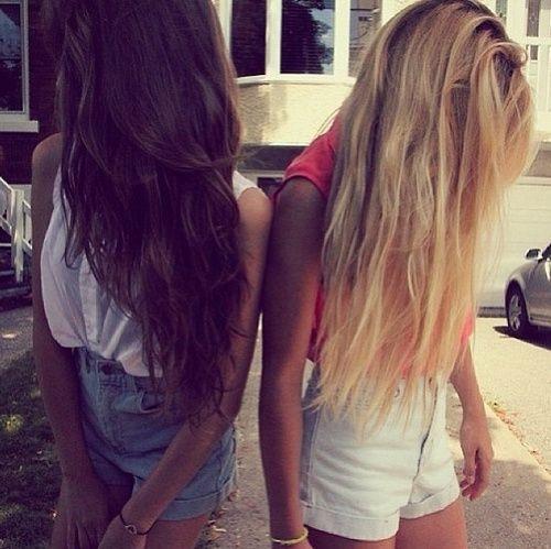 Brunette And Blonde Idees Cheveux Longs Idees De Coiffures Produits Capillaires