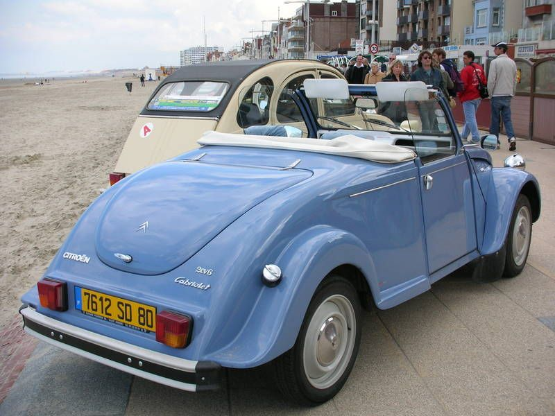 Quelques Belles 2 Cv Transformees En Cabriolet 2cv Citroen Cabriolet Voitures Retro